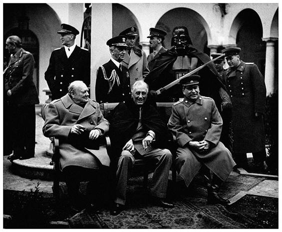 Супер херои во стари воени фотографии