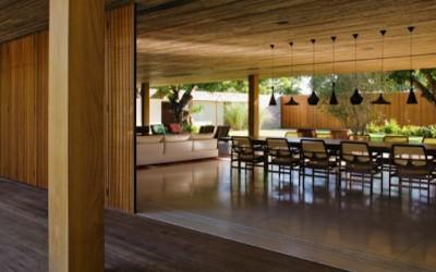 """Куќата """"Баија"""" направена од панелни лизгачки ѕидови"""