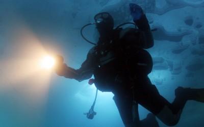 Екстремно нуркање под мраз