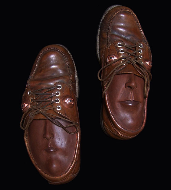 Необична опсесија со чевли
