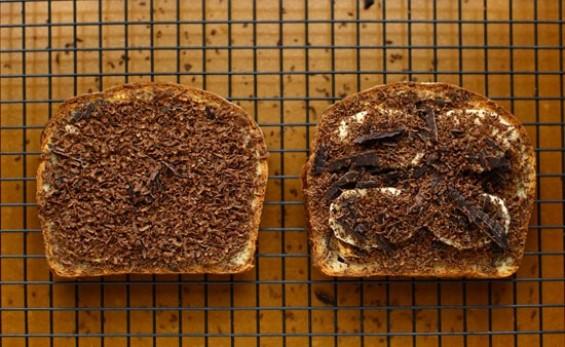 Чоколаден тост со путер од кикирики