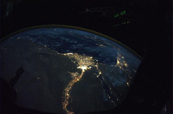 (10) Планетата Земја одозгора - поглед од ISS
