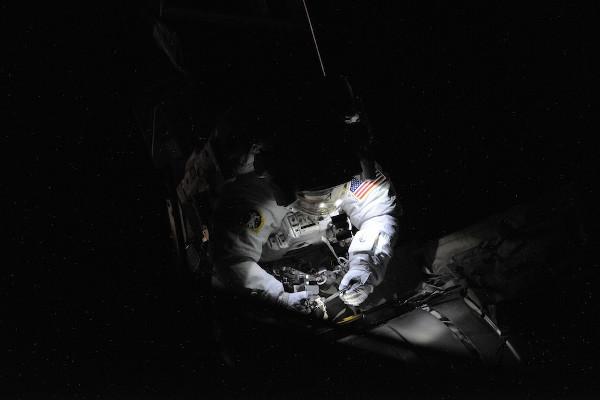 (6) Планетата Земја одозгора - поглед од ISS