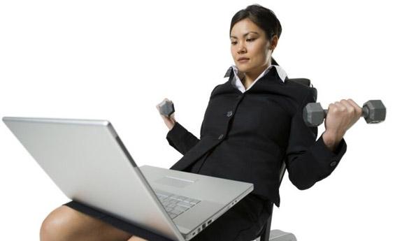 Ослабете додека седите на работното биро