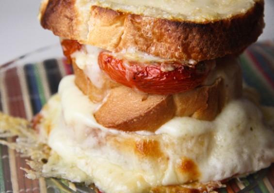 Италијански сендвич со кашкавал