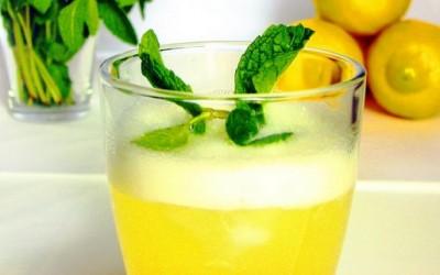 Алкохолна лимонада со манго