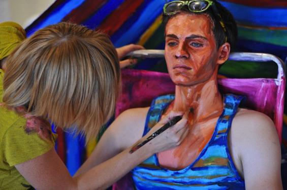 Кога човекот се претвора во уметничко дело...