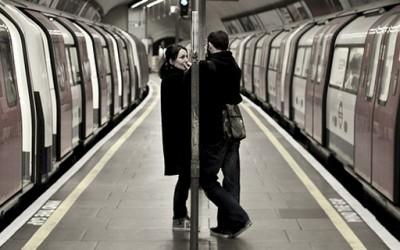 Како разговарањето со непознати луѓе да ви биде помалку незгодно?