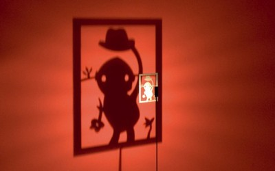Ламби кои прават забавни сенки на ѕидот
