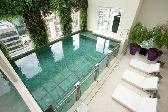 Артистичка куќа во Малибу со внатрешен базен