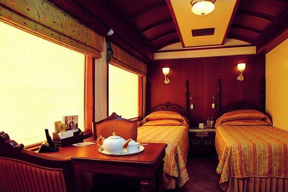 Најскапиот воз во Индија