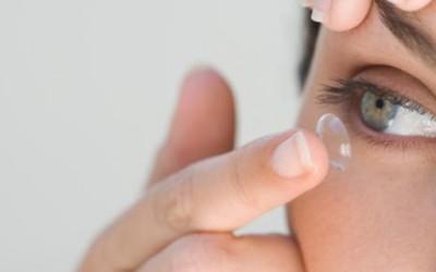 Дали хигиенски ги користите вашите контактни леки