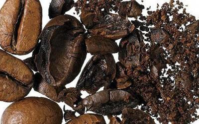 Кофеин за посвежо лице, помалку брчки и отстранување на подочници