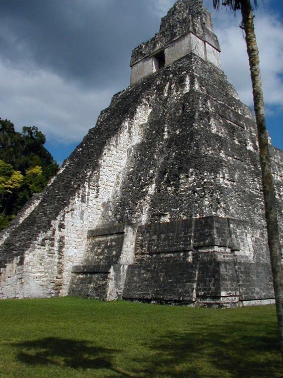 Древниот град на Маите во Гватемала