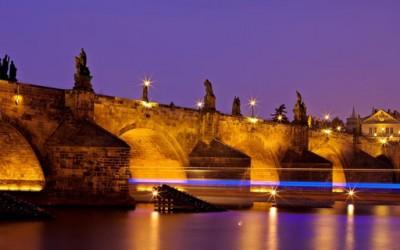"""Зошто Прага се нарекува """"златниот град"""" на Чешка?"""