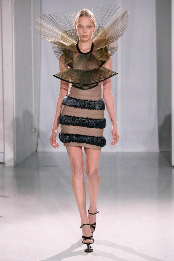 Футуристичките модни креации на младата и талентирана Ирис ван Херпен
