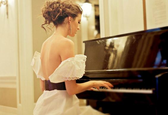 Зошто да научите да свирите пијано?