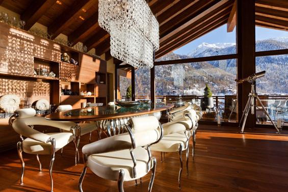Прекрасна вила на швајцарските Алпи
