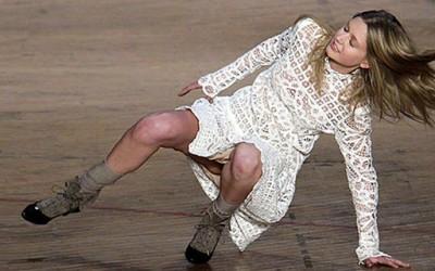 Најсмешните падови на модните писти