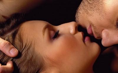 10 причини зошто е здраво да се бакнувате