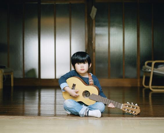 Детството на две јапонски братчиња
