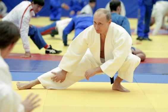 Владимир Путин – современиот Чак Норис