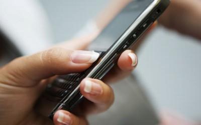 Зошто повеќе лажеме преку СМС пораки?