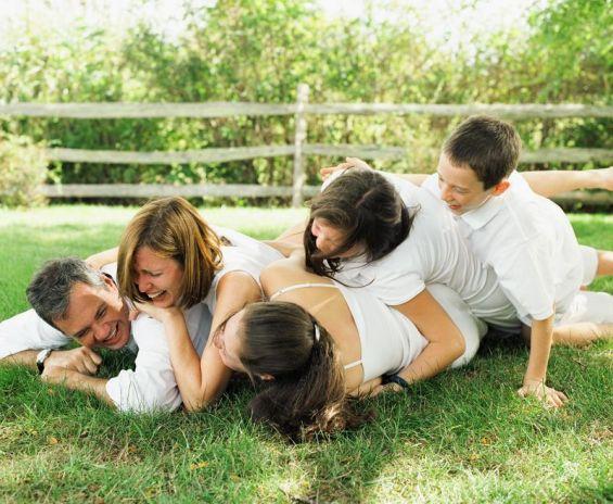 Како татковците им даваат добар пример за врските на своите деца