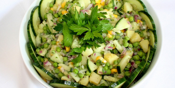 Мешана салата со компир