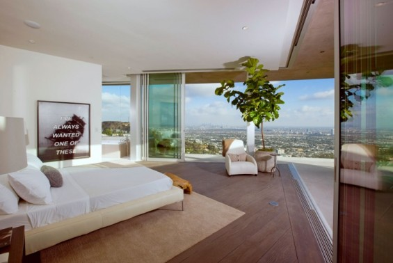 Луксузна куќа со панорамски поглед над Лос Анџелес