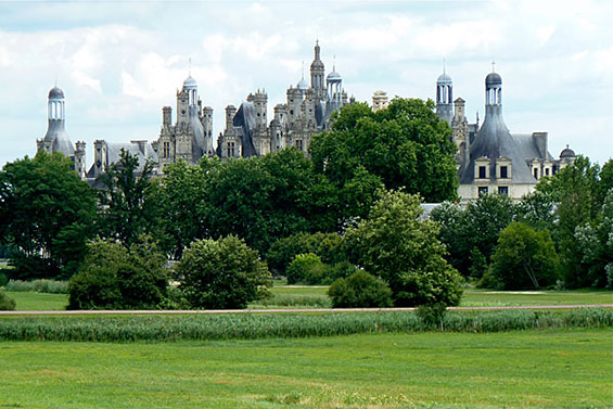 Запознајте се со прекрасниот француски дворец Шамбор