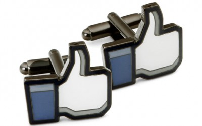 """Манжетни со Фејсбук опцијата """"лајк"""""""
