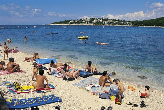 Кои се најдобрите нудистички плажи на Балканот