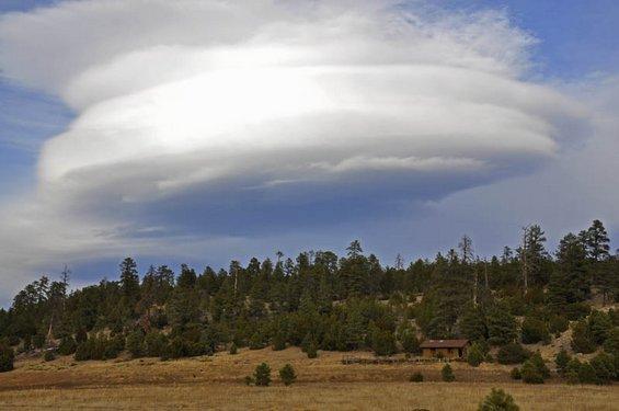 Необични формации на облаци