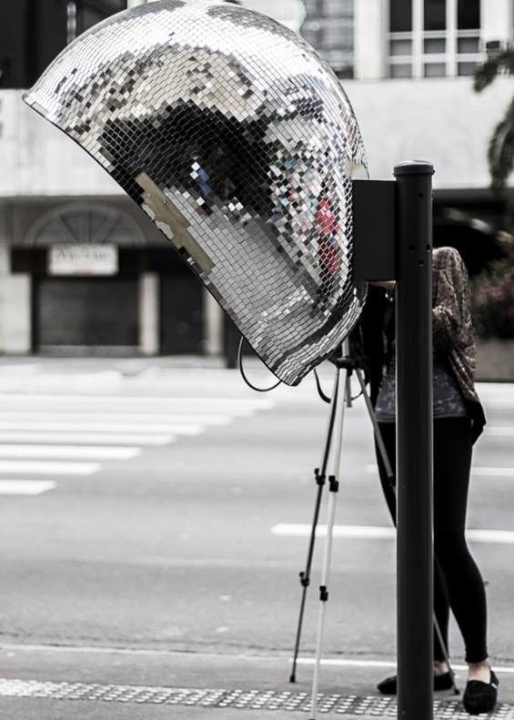 Шарени телефонски говорници на улиците на Сао Паоло
