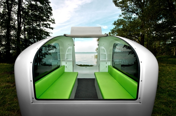 Камп-приколка со која можете да пловите на вода