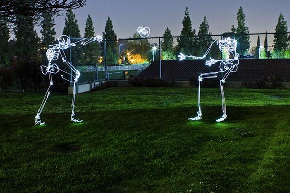 Светлечки скелети во Лос Анџелес
