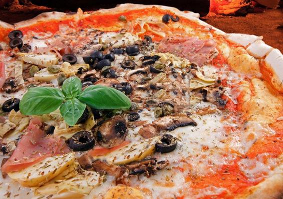 Варијанти на традиционалната италијанска пица од регион во регион