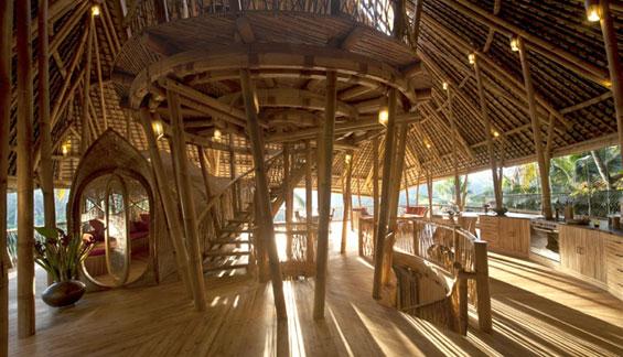 Прекрасни бамбусови куќички на Бали