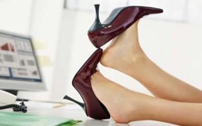 Како да ги навикнете новите чевли на вашите стапала