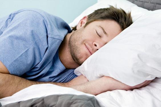 Со правилна исхрана до полесно заспивање