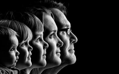 12 креативни начини да се фотографирате со вашето семејство