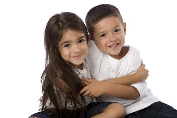 Зошто е убаво да се има брат или сестра?