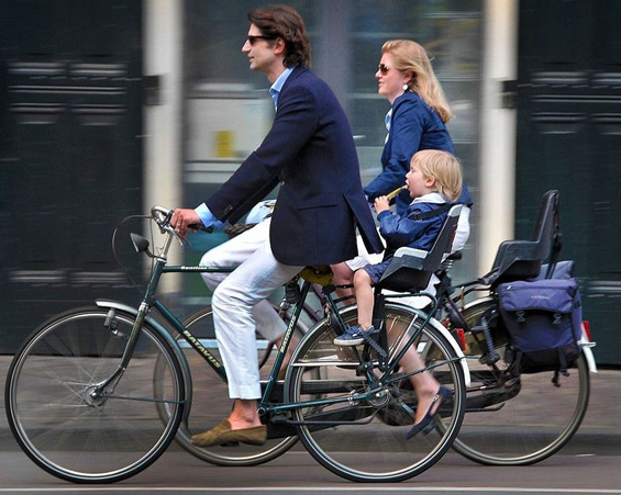 Амстердам – градот на велосипедите