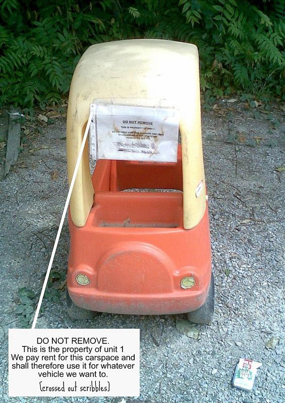 Наместо автомобил паркирале детска количка, зашто им се може!