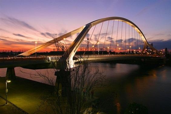 Уметничката страна на мостовите низ прекрасни фотографии