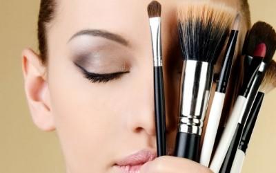 Што мора да знаеме за шминката?