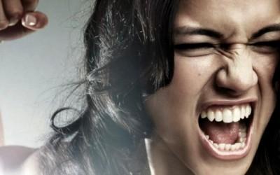 Како да престанете претерано да реагирате?