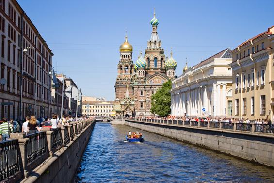 Триминутна прошетка низ Санкт Петербург