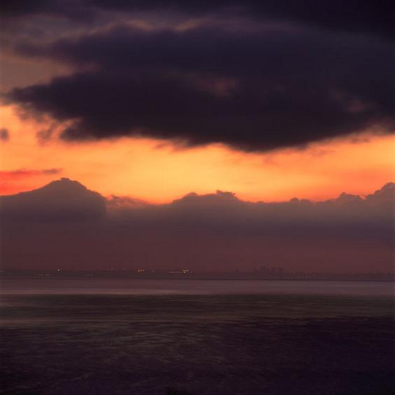 Прекрасни изгрејсонца сликани од исто место во текот на цела година
